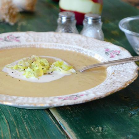 Potage aux Poireaux, Pommes et Cheddar