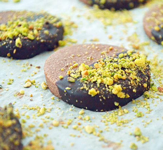 Biscuits Sablés au Chocolat et Pistaches