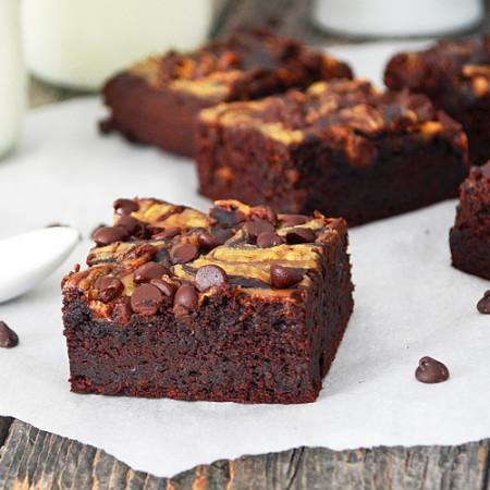 Brownies aux Haricots Noirs et Beurre d'Arachides