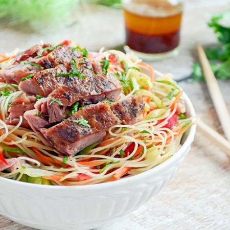 Salade de Confit de Canard, Vermicelles de Riz et Légumes