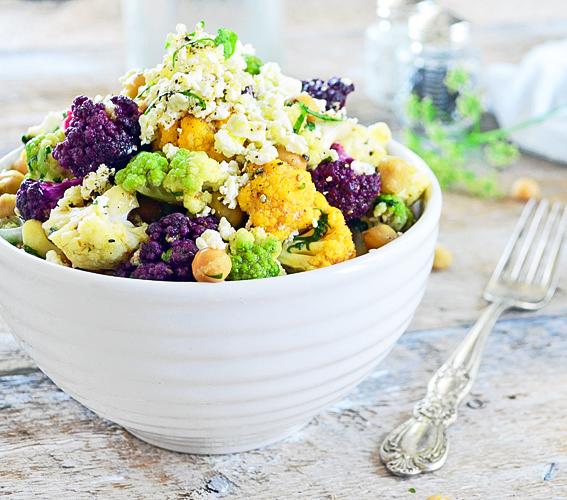 Salade de Chou-Fleur Coloré, Pois Chiches et Vinaigrette aux Épices Grillées 1